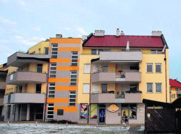 slovenija 28.01.11 soncni dvori, stanovanja, stanovanski kompleks, dol pri grosupljem, grosuplje, foto: nik rovan